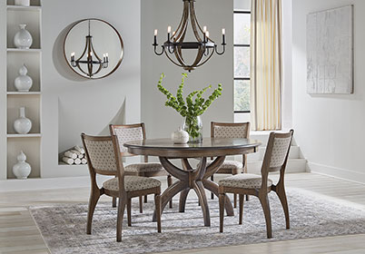 RH Yoder Niles Chairs and Niles Table Dining Room Furniture Set